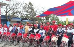 Trao 70 xe đạp cho học sinh nghèo hiếu học ở Hải Phòng