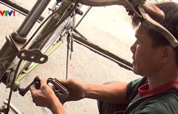 """Những chiếc """"xe đạp nghĩa tình"""" của anh thợ sửa xe nghèo"""