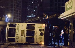Lật tàu điện tại Hong Kong (Trung Quốc), 14 người bị thương