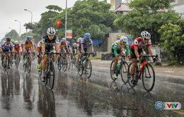 Bên lề giải xe đạp quốc tế VTV Cúp Tôn Hoa Sen 2017: Những nỗ lực đặc biệt trên đường đua