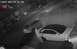 Ăn trộm xe ô tô không cần chìa khóa