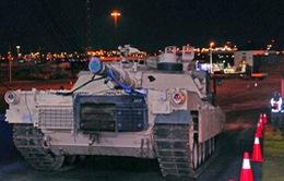 Xe tăng Mỹ dồn dập chuyển đến Đông Âu