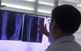Khen thưởng ê kíp nối xương cho bệnh nhân bị tim bẩm sinh