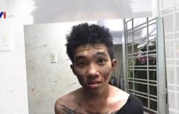 9X dùng bình xịt hơi cay tấn công cảnh sát 113