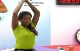 Tập Yoga liên tục trong hơn... 103 giờ