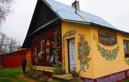 Ghé thăm ngôi làng ở Ba Lan ngập tràn họa tiết hoa