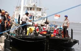 Cháy tàu du lịch ở Indonesia, 23 người chết