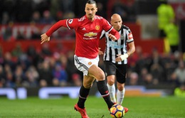 Số 7 huyền thoại khuyên Ibrahimovic đừng rời Man Utd