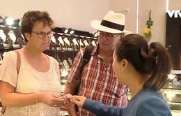 Lượng du khách đến Việt Nam cao nhưng chi tiêu mua sắm thấp