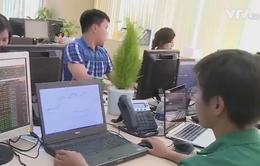 Sàn giao dịch TP.HCM hoạt động trở lại, VN-Index vượt mốc 1.100 điểm