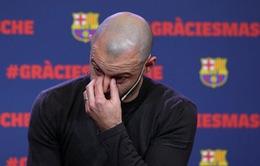 Mascherano rớt nước mắt nói lời chia tay Barcelona