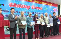 Tặng quà Tết nhân dân vùng lũ Quảng Ngãi
