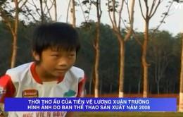 """[Video] Những hình ảnh """"cute"""" của đội trưởng U23 Xuân Trường thời đá bóng chân đất"""