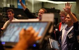 Dow Jones và S&P 500 hứng chịu mức giảm mạnh nhất trong 5 tháng