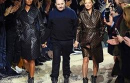 Siêu mẫu Kate Moss và Naomi Campell tái hợp trên sàn diễn
