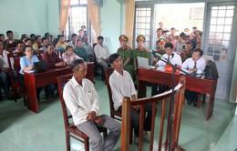 """Bình Thuận: Y án sơ thẩm và miễn hình phạt tù """"hai nông dân nhận hối lộ"""""""