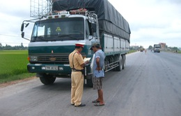 Một tháng, xử phạt trên 32.000 trường hợp vi phạm trên tuyến quốc lộ 1A