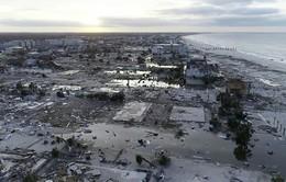Siêu bão lớn thứ ba lịch sử tàn phá bờ biển Đông Nam nước Mỹ