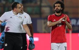 Salah dính chấn thương, sớm bị trả về Liverpool