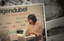 Nhà văn Nguyễn Ngọc Tư nhận giải thưởng văn học tại Đức