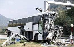Tai nạn xe bus tại Thụy Sĩ, ít nhất 15 người bị thương