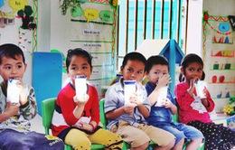 """Phụ huynh, nhà trường ở TP.HCM vui mừng đón nhận chương trình """"Sữa học đường"""""""