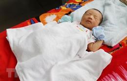 Ninh Thuận: Kịp thời cứu sống bệnh nhi 3 ngày tuổi bị vàng da thể nặng
