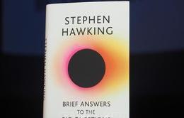 """Ra mắt cuốn sách cuối cùng của """"ông hoàng vật lý"""" Stephen Hawking"""