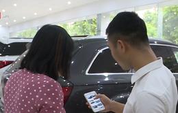Người Việt đua tìm kiếm thông tin 2 chiếc xe hơi VinFast