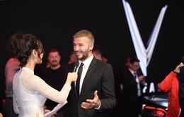 """David Beckham đẹp trai """"khó cưỡng"""" tại buổi ra mắt xe của Vinfast"""