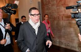 Người đàn ông khiến Nobel Văn học bị hủy lĩnh 2 năm tù vì tội cưỡng hiếp