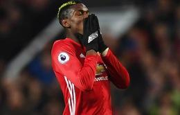 Sao Man Utd châm chọc lối đá penalty lề mề của Pogba