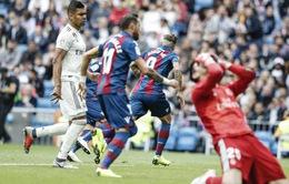 """Real Madrid tệ hại tới """"cạn lời"""", Lopetegui đối diện trát sa thải"""