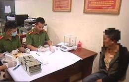 Yên Bái: Bắt đối tượng mang 20 bánh heroin trong quán cơm