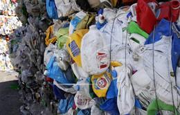 Malaysia cấm nhập rác thải không thể tái chế