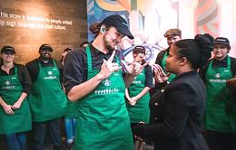 Starbucks mở quán đầu tiên sử dụng ngôn ngữ ký hiệu