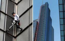 """""""Người nhện"""" Pháp leo lên nóc tòa nhà cao 230 mét"""