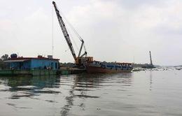 Chìm sà lan, 2 người thiệt mạng