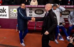 Huỷ diệt đối thủ yếu Burnley, HLV Sarri đi vào lịch sử Chelsea