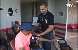 Cuộc sống mong manh của những bệnh nhân chạy thận ở Puerto Rico