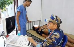 Bệnh xá đảo Song Tử Tây cấp cứu thành công ngư dân bị bệnh trên biển