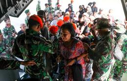 Đẩy mạnh cứu hộ nạn nhân thảm họa kép động đất - sóng thần Indonesia