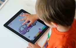 """Trẻ em tại Mỹ ngày càng """"nghiện"""" các thiết bị điện tử"""