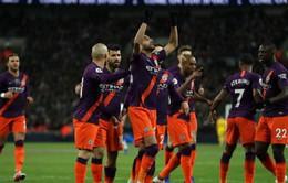 Riyad Mahrez dành tặng bàn thắng vào lưới Tottenham cho ân nhân của mình - Chủ tịch quá cố của Leicester City