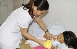 Cứu sống sản phụ bị sa dây rốn và suy thai cấp hiếm gặp