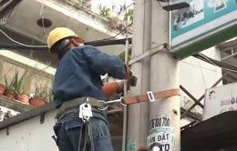 TP.HCM: Xử lý nhiều vi phạm an toàn ở các cột điện, trạm biến áp