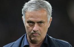 Tới phút chót, Mourinho vẫn không biết việc bị Man Utd sa thải!