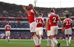 Arsenal nên giữ đôi chân ở trên mặt đất