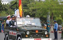 Xe tang đưa linh cữu nguyên Tổng Bí thư Đỗ Mười về quê hương Đông Mỹ