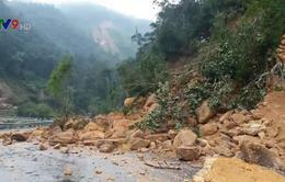 Quốc lộ 27 nối Nha Trang với Đà Lạt sạt lở nghiêm trọng do mưa lớn